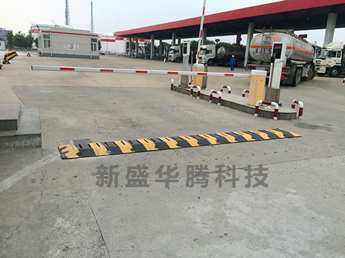 天津某加油站